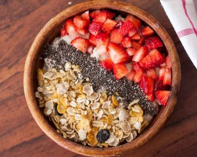 Strawberry Smoothie Bowl with chia seeds and Muesli Recipe