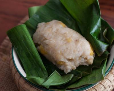 Thai Style Sweet Khao Tom Recipe (Coconut Sticky Rice Stuffed with Banana and Steamed)