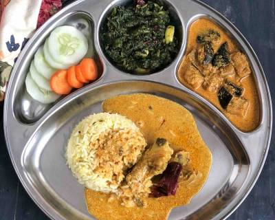 Savour This Kashmiri Meal With Mutton Yakhni, Dahi Baingan, Saag & Saffron Rice