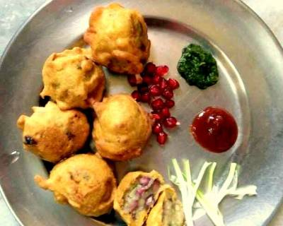 Anar & Aloo Pakora Recipe - Dry Pomegranate & Potato Pakora