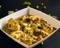 Malai Matar Paneer Recipe (Cottage Cheese & Peas In Rich Creamy Gravy)