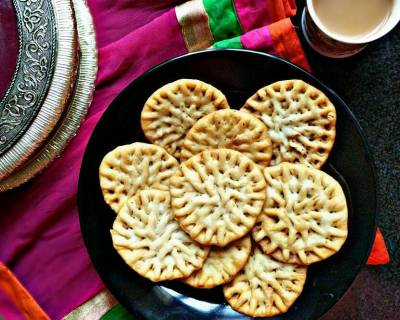 Phool Mathri Recipe