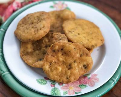 Traditional Mathri Recipe - North Indian Savoury Cracker Recipe