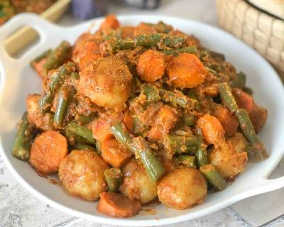 Goan Batata Recheado Recipe With Carrots & Beans
