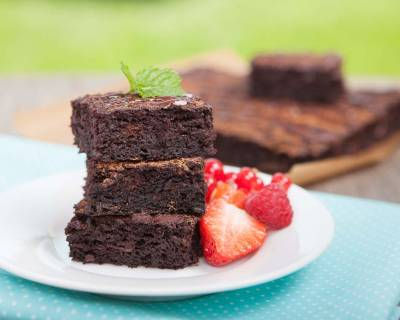 Eggless Fudgy Chocolate Chunk Brownie Recipe