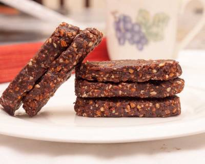 Date Brownie Energy Bars Recipe
