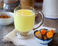 Turmeric Milk Recipe - Haldi Doodh / Golden Milk