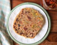 Stuffed Makai Paratha Recipe (Corn & Coriander Stuffed Flat Bread)