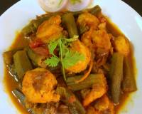Dherosh Chingri Jhol Recipe (Bengali Style Prawn Curry With Ladies Finger)