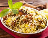 Hyderabadi Biryani With Basmati Rice (Mutton & Chicken)