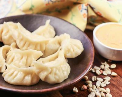 Vegetarian Momo Recipe-Steamed Dumplings/A Street Food from the North East India