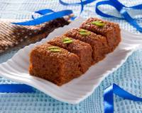 Gujarati Adadiya Ladwa Recipe - Urad Dal Halwa with Nuts & Spices