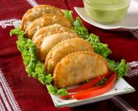 Samosas with Spinach & Cottage Cheese Filling