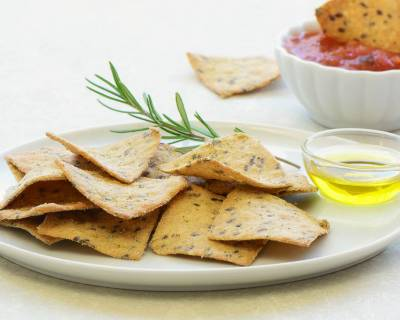 Mint And Coriander Spicy Multigrain Cracker Recipe (Mathri)