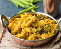 Chettinad Cauliflower Pepper Fry Recipe - Chettinad Poo Kosu Poriyal