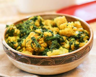 Palak Gobi Sabzi Recipe (Indian Style Cauliflower with Spinach)