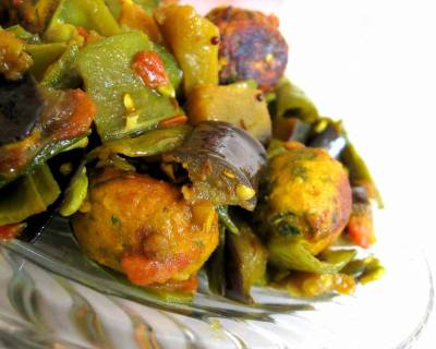 Walor Muthia Nu Shaak Recipe - Flat Beans Stir Fry With Dumplings