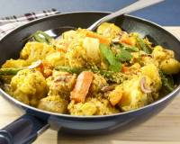 Cauliflower and Vegetable Curry (With Almonds and Spices)