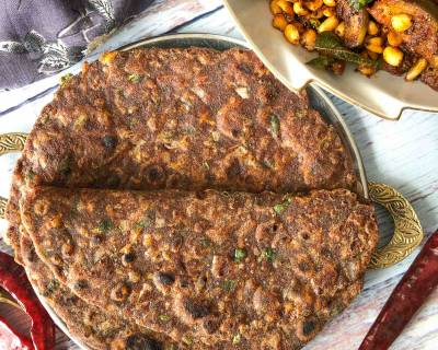 Khatti Meethi Ragi Masala Roti Recipe With Carrots