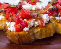 Halloumi Bruschetta Recipe with Tomato and Roasted Red Capsicum