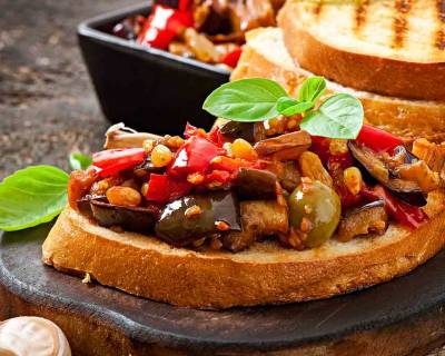 Bruschetta with Olives & Raisins