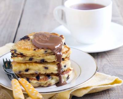 Whole Wheat Chocolate Chip Pancakes With Apples Recipe