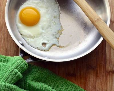 Fried Egg Recipe (Sunny Side Up)