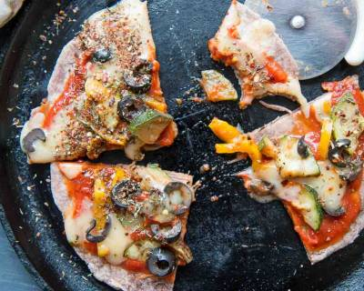 Whole Wheat & Ragi Crust Skillet Pizza Recipe Topped With Roasted Zucchini & Olives