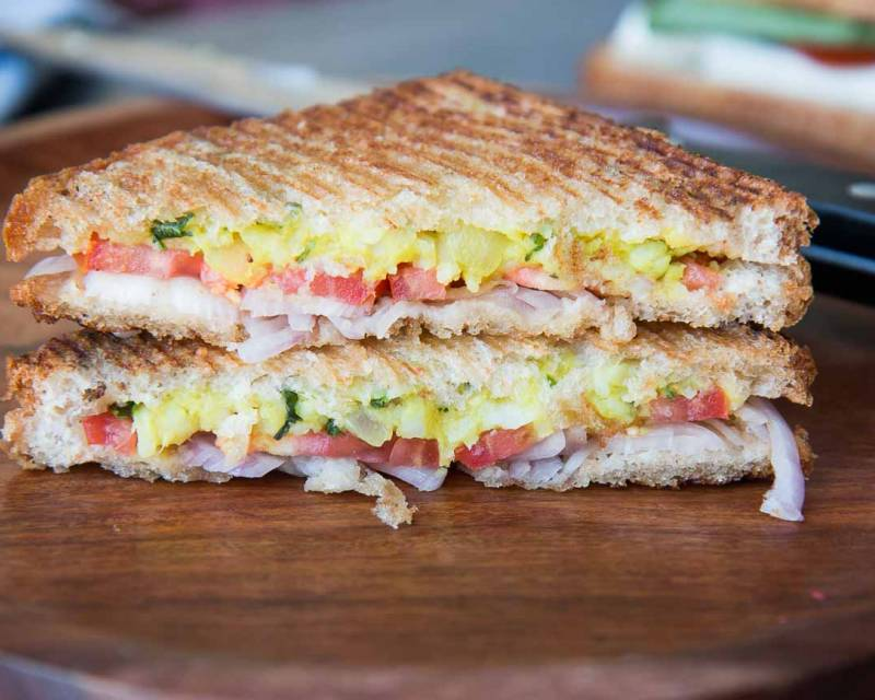 Masala Oats And Potato Sandwich Recipe