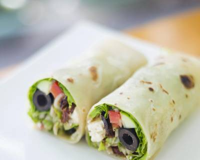 Vegetarian Wrap With Olives And Cottage Cheese (Paneer Roll)