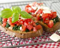 Spinach Garlic Bruschetta Recipe With Red Bell Pepper Sauce