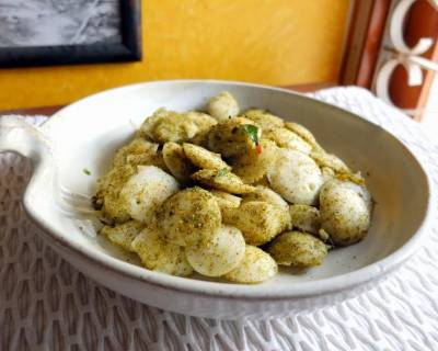 Karuveppilai Podi Idli Recipe-Spicy Lentil & Curry Leaves Powder Tossed Idli
